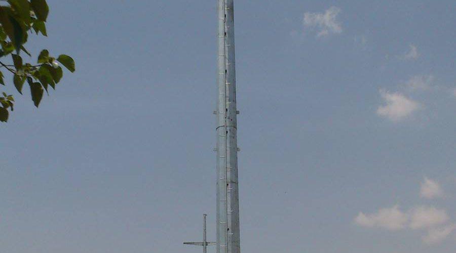 eastmain-kukwaba TL TUBULAR POLE under transmission line (2)