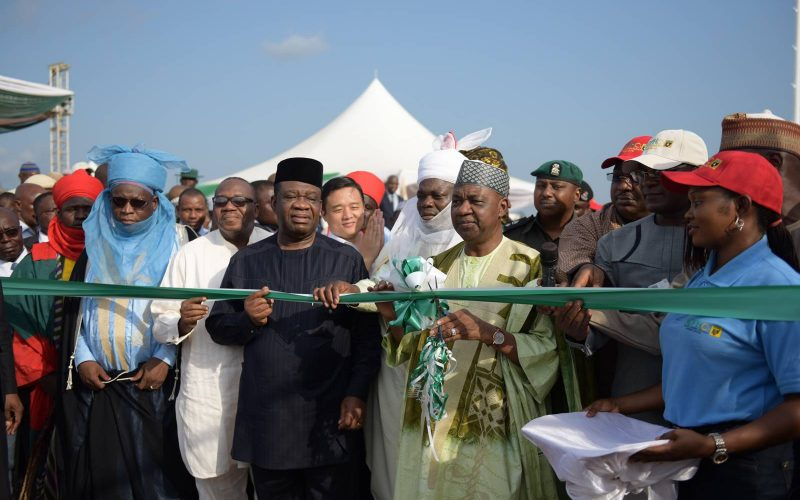 The commissioning of the 33013233KV Gwagwalada transmission substation and lines (2)
